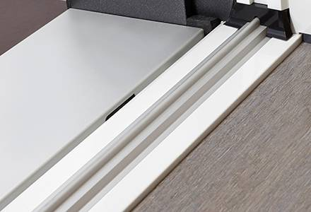 Barrier-free sill